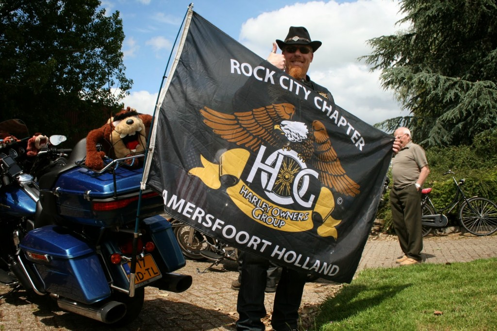 Rock City Chapter bij Speelgoedbank Wageningen voor hun Charity Ride!